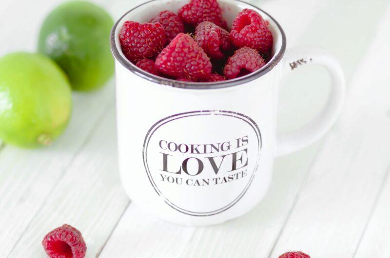 Vanillekwark met frambozen en bosbessen